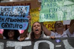 """Bolsonaro dice que los estudiantes que protestan son """"idiotas"""""""