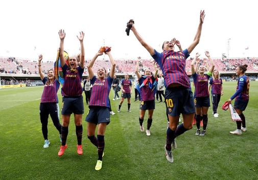 El Barcelona femenino celebra su pase a la final de la Champions.