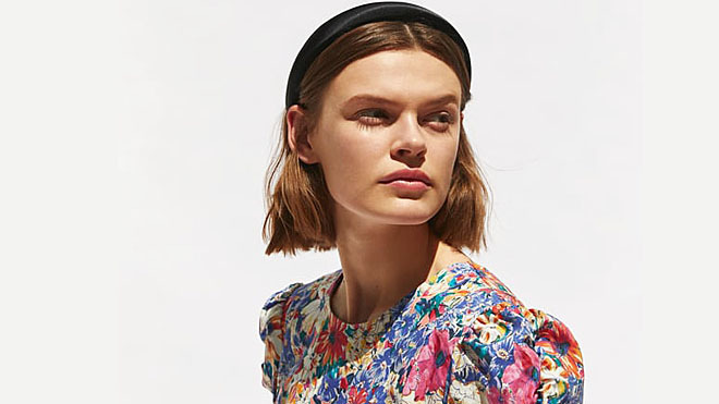 d7014a7663 El vestido de flores de Zara promete convertirse en el nuevo éxito viral.