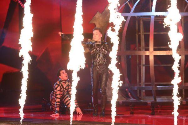 Hatari, de Islandia, durante la primera semifinal de Eurovisión