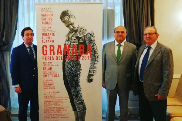 José María Garzón, Rogelio Pérez e Inadalecio García en la presentación de las clases prácticas de la Feria del Corpus