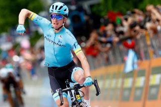 Primera victoria española en el Giro: Pello Bilbao triunfa en L'Aquila