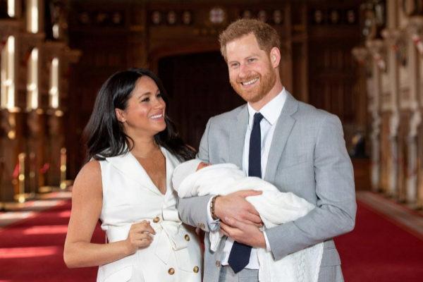 Meghan y Harry presentan a su hijo el 8 de mayo.