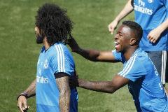 Vinicius y Marcelo, durante un entrenamiento del Madrid.