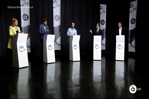 Los candidatos de los cinco partidos con representación municipal (Cs, PP, UP, PSOE y Compromís), en el debate de À Punt.