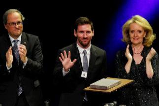 Messi, inmóvil ante los aplausos por la independencia