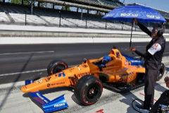 Alonso acumula kilómetros antes de la clasificación