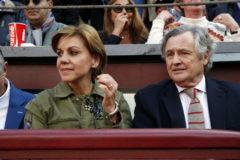 Cospedal y su marido en Las Ventas