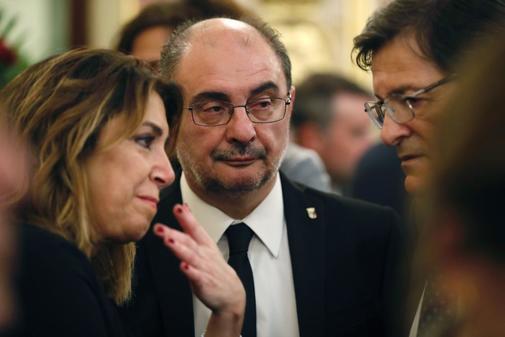 Javier Lambán, junto a Susana Díaz y Javier Fernández
