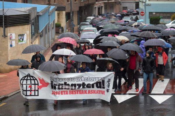 Manifestación de apoyo a  'Josu Ternera' en su pueblo natal.