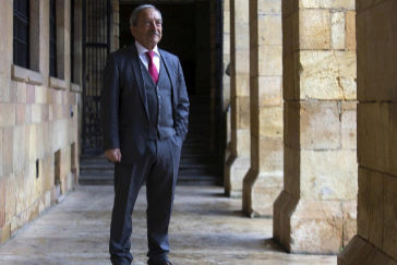 El alcalde de Oviedo, Wenceslao López, en el Ayuntamiento
