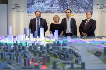 Carmena en la presentación de la maqueta de Madrid Nuevo Norte.