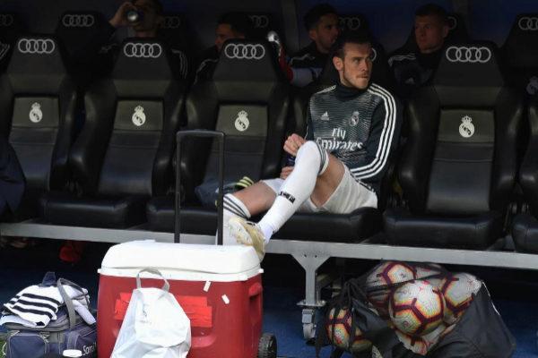 Bale, en el banquillo del Bernabéu en el partido ante el Betis.