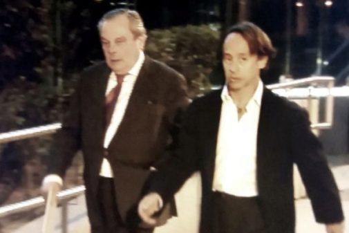 El empresario Adrián de la Joya, a la derecha, tras declarar en la Audiencia Nacional en 2017