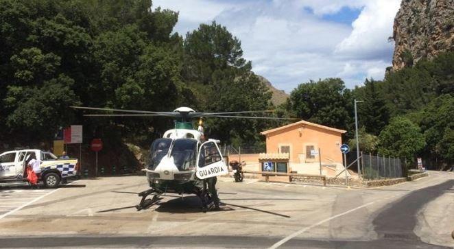 El helicóptero con el que ha sido evacudado el bebé.