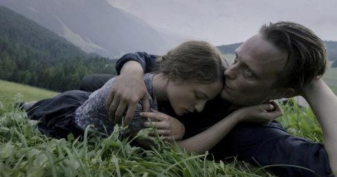 August Diehl y Valerie Pachner en 'A hidden life', de Terrence Malick.