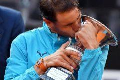 Nadal renace ante Djokovic y consigue su primer título del año