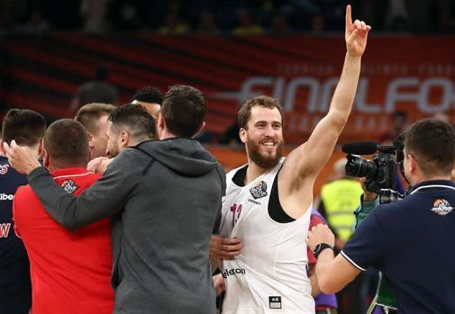 EuroLeague Final Four Final - Anadolu Efes Istanbul vs CSKA Moscow