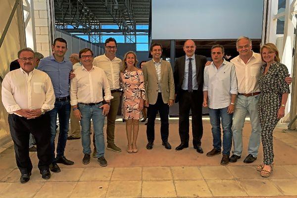 Biel Company, González Pons, Marí Bosó, Toni Costa y Rosa Estaràs, entre otros, en el acto celebrado en Ibiza.