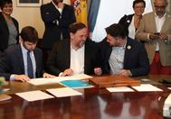 Oriol Junqueras, junto a Gabriel Rufián, al recoger su acta.