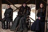 Arya Stark (Maisie Williams), Bran Stark (Isaac Hempstead-Wright) y...