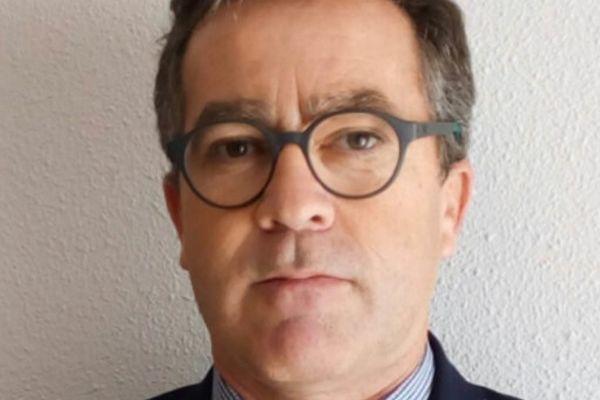 Vicente Giner,  jefe del Servicio de Medicina Interna del Hospital Virgen de los Lirios de Alco