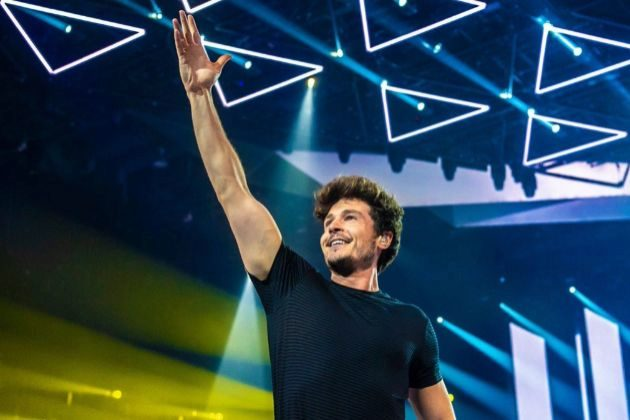 Miki Núñez en el escenario de Eurovisión 2019, festival en el que La Venda contó con 6 puntos de Bielorrusia por un extraño motivo
