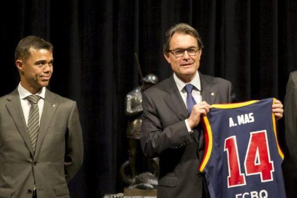 Artur Mas cuando era presidente de la Generalitat junto al entonces responsable de Deportes Ivan Tibau