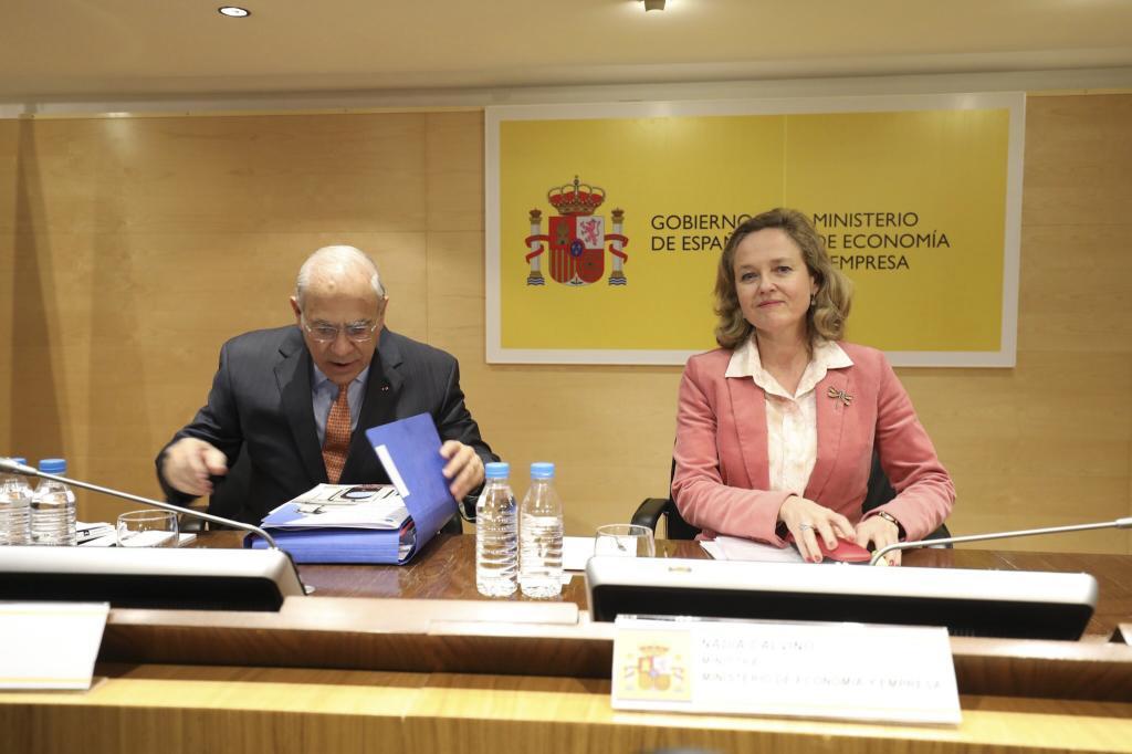 """La OCDE pronostica un crecimiento """"más moderado"""" para España y dice que necesita """"reducir la deuda"""""""
