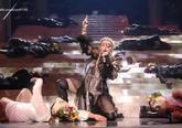 La cantante Madonna durante su polémica actuación en el Festival de...