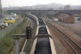 Un tren transporta carbón en Dumfries, Reino Unido.