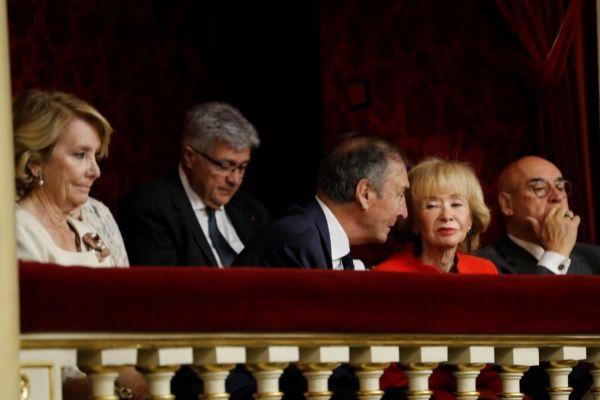 Esperanza Aguirre, este martes en la tribuna del Senado con Juan José Laborda, María Teresa Fernández de la Vega y Javier Rojo.
