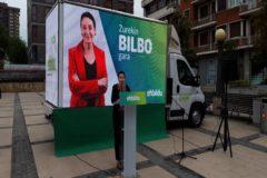Vehículo electoral de EH Bildu, en Bilbao.