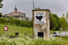 Pintadas contra la dispersión de los presos de ETA en Navarra