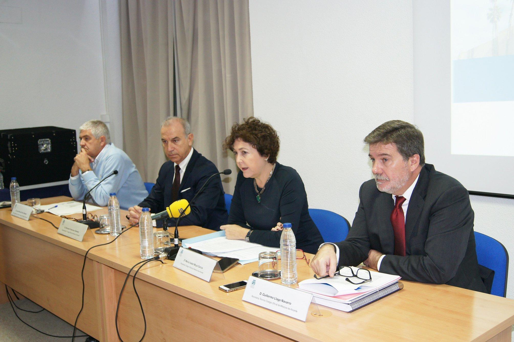 La junta directiva del COMA, en la rueda de prensa en la que hizo públicas las irregularidades detectadas.