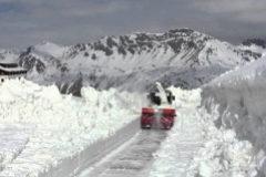 El Giro de Italia, pendiente de la nieve del Gavia