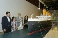 Cati Rodríguez y Dolores Padilla junto al alcalde Luis Barcala y el presidente de la Fundación Titanic, Jesús Ferreiro.