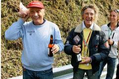 Niki Lauda y Arturo Merzario años después del accidente en Nurburgring