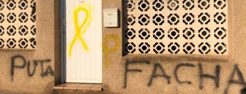 Pintadas, este miércoles, en la vivienda de la candidata de Castellón.
