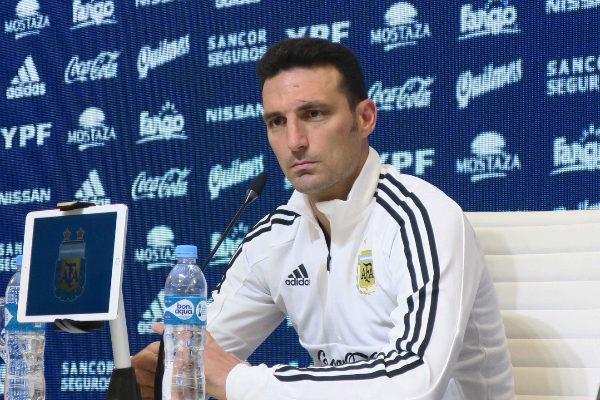 AME4690. CIUDAD DE BUENOS AIRES (ARGENTINA).- El seleccionador de...
