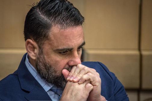El hispanoestadounidense Pablo Ibar asiste a una audiencia este martes en el tribunal del condado Broward, en Fort Lauderdale, Florida (EEUU). La familia del hispanoestadounidense condenado por un triple asesinato de 1994 pidió al jurado por su vida en la recta final del juicio que se celebra en Fort Lauderdale.