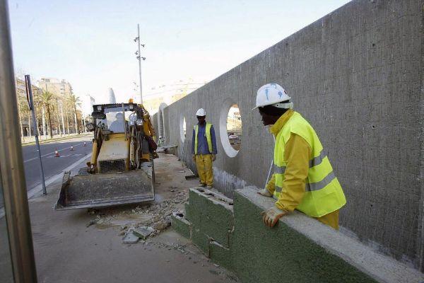 Obreros en una construcción en Barcelona.