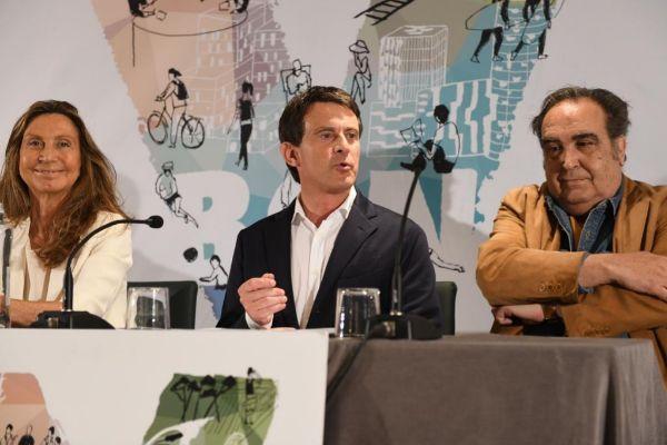 El candidato a la Alcaldía de Barcelona, Manuel Valls, en el acto de campaña de esta mañana.