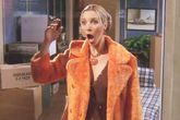 Phoebe Buffay (Lisa Kudrow) en un episodio de Friends, serie durante...