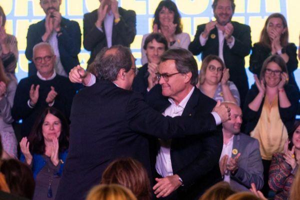 El presidente de la Generalitat, Quim Torra, y el ex presidente, Artur Mas.