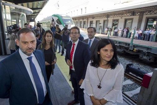 El ministro en funciones José Luis Ábalos, durante la visita que realizó a Granada el pasado septiembre.