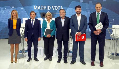 Martínez-Almeida acorrala a una Carmena sin respuestas en el debate