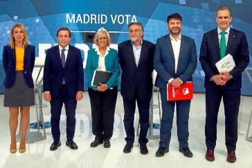 Martínez-Almeida acorrala a una Carmena sin respuestas en el debate por el Ayuntamiento de Madrid