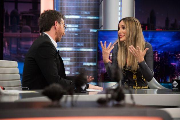 Pablo Motos y Edurne en El Hormiguero de Antena 3, programa en el que la cantante defendió la actuación de Miki en Eurovisión 2019