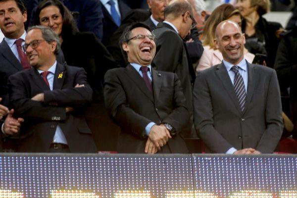 GRAF9154. BARCELONA.- El presidente de la Generalitat Quim Torra (i);...